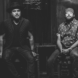 Eli Young Band Live in Concert at Moonshine Beach, Friday, November 9th, 2018